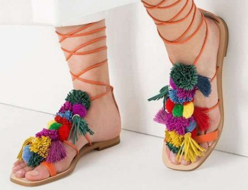 Summer Trends 2016: sandals with tassels and colorful pompoms